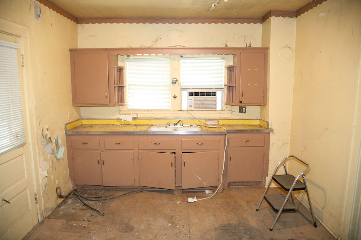 315 dudley road lexington kentucky benezet associates construction services for Bathroom remodel lexington ky